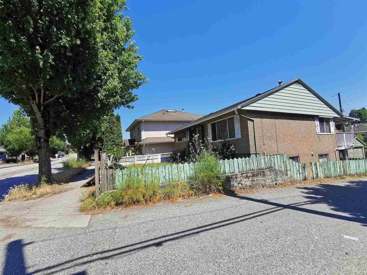 5692 Knight Street, Knight, Vancouver East
