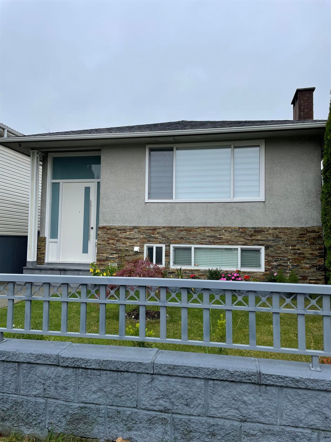 6835 Knight Street, South Vancouver, Vancouver East